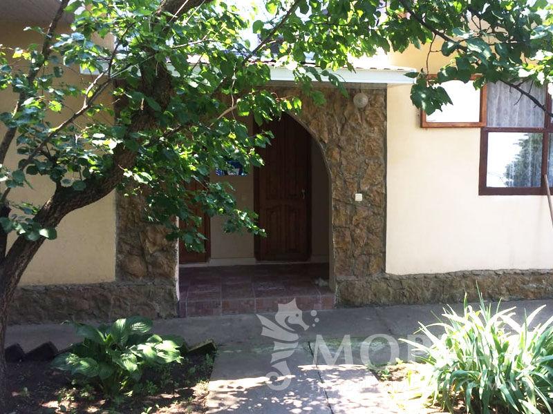 Жилой дом с гостевым бизнесом на участке 9 соток